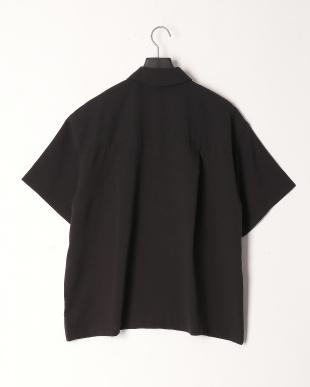 クロ リネンタッチフラップポケルーズシャツを見る