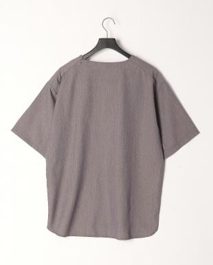 グレー TRプルオーバーシャツを見る