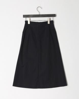 ネイビー ボタンデザインスカートを見る