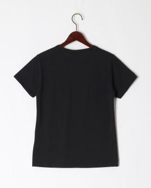 ブラック TEEシャツを見る