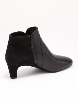 SYLVIA BOOTIE:BLACK WP LEATHERを見る
