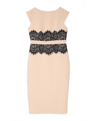 ベージュ/ブラック ウエストレースドレスを見る