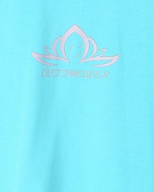 044  Tシャツを見る