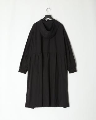 ブラック CNロングフーデッドコートを見る