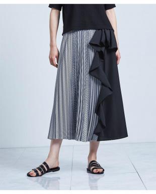 ブラック 異素材MIXフリルプリーツスカートを見る