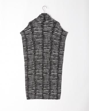 51カラミ柄(白黒系) シャトルプリーツ 衿付きサックワンピース(ポケット付き)を見る