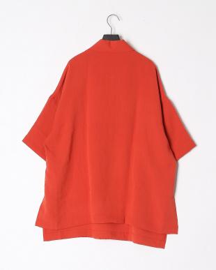 オレンジ シャツを見る
