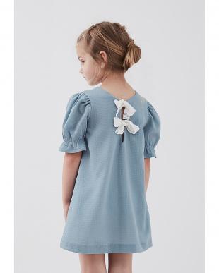 ブルー レース使い 半袖ドレスを見る