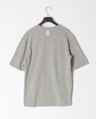 GREY  Tシャツを見る
