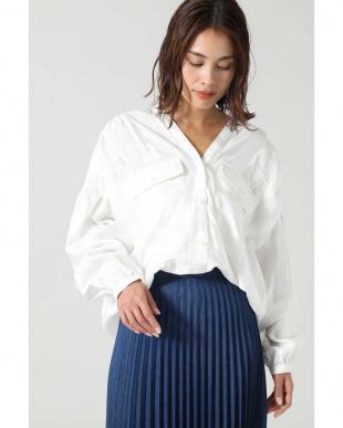 ホワイト ジャカード2ポケットダブルVネックシャツ R/B(オリジナル)を見る