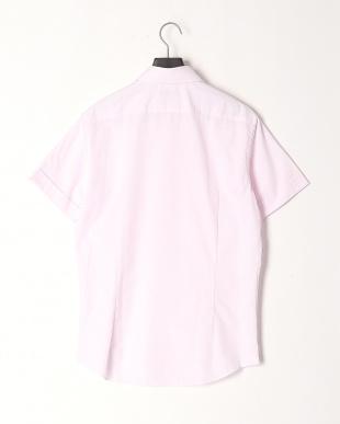 レッド系 カジュアルシャツを見る