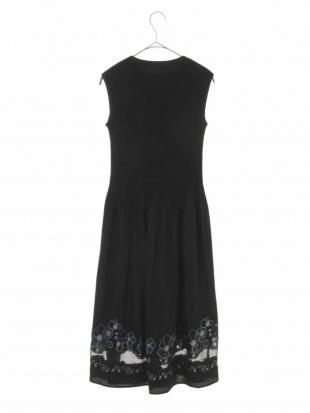 ブラック フラワー刺繍ドレス GIANNI LO GIUDICEを見る