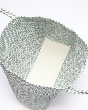 SILVER X WHITE 幾何学メルカドバッグを見る