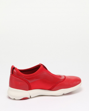 RED SNEAKERSを見る