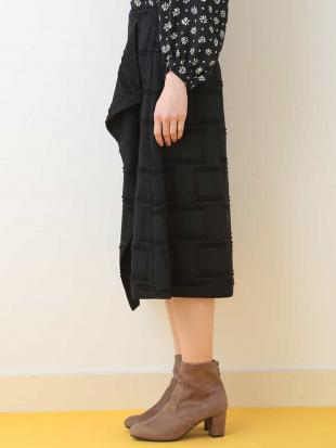 ブラック 【メディア着用】チェックカットスカート TARA JARMONを見る