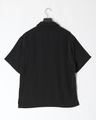 クロ ポリエステルオープン襟シャツを見る