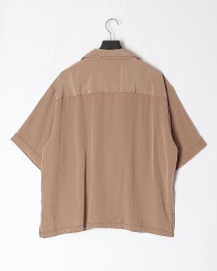 ベージュ ポリエステルBIGポケットシャツを見る