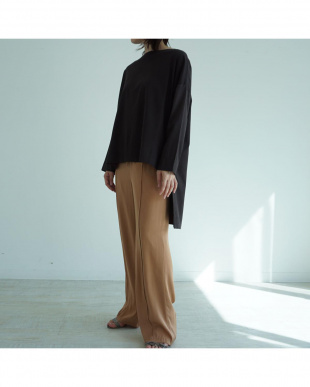 BROWN BACK BUTTON WIDE SILHOUETTE Tを見る