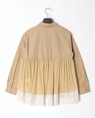 ブラウン 花×蝶 刺繍襟 チュール切替シャツを見る