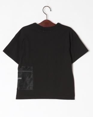 ブラック メッシュポケットTシャツを見る