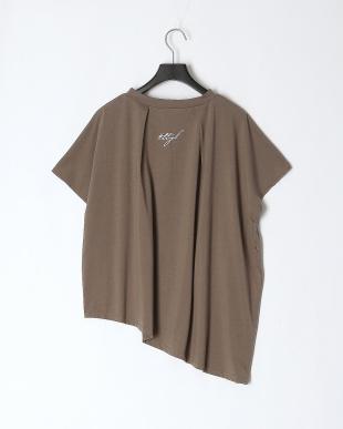 グレー ドルマンTシャツを見る