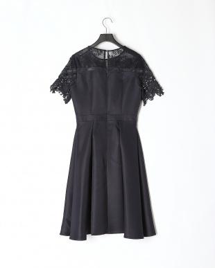NVY ショートスリーブ胸元レースタックドレスを見る