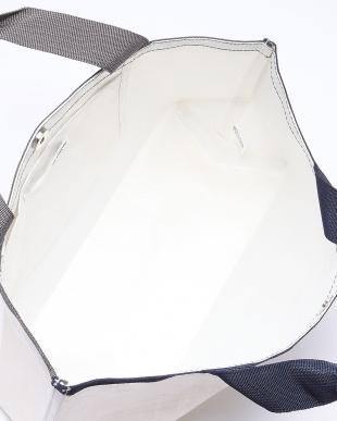 90/無彩色A(ホワイト) 配色デザインファンバッグを見る