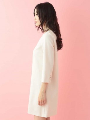 ホワイト 【ドラマ着用】クルーネックドレス【洗える】 TARA JARMONを見る