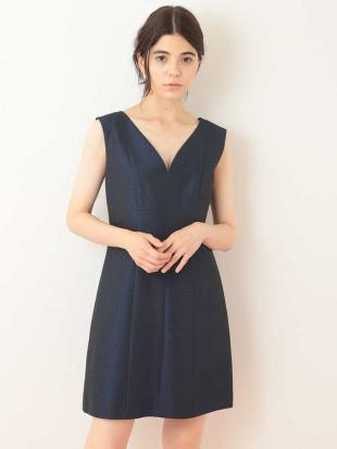 ネイビー ハートネックデザインドレス  TARA JARMONを見る