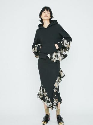 ブラック ジャガードフリルスウェットスカート UN3D.を見る