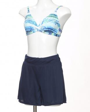 ブルー かすれボタニカル柄Tシャツ・ショートパンツ付き4点セット水着を見る