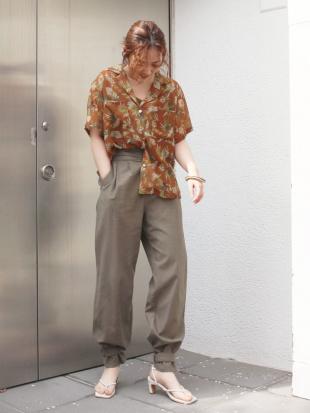 ダークオレンジ アロハプリントシャツ Ungridを見る