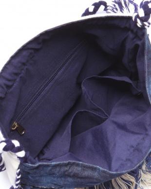 BLUE フリンジ付きショルダーバッグを見る