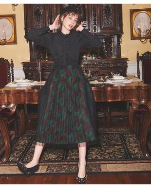 BLACK [Feminity] jaquard pleats dressを見る