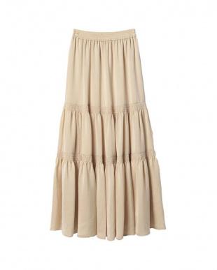 BEIGE シャイニーギャザーティアードスカートを見る