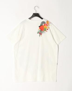 オフホワイト イチゴ柄Tシャツを見る