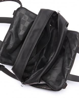 BLACK フェラーリ LS ハンドバッグを見る