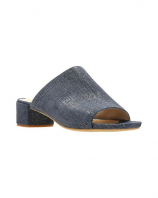 Navy Interest Suede  Orabella Daisyを見る