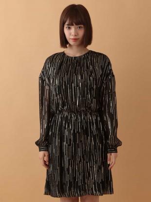 ブラック メタリックストライプドレス TARA JARMONを見る