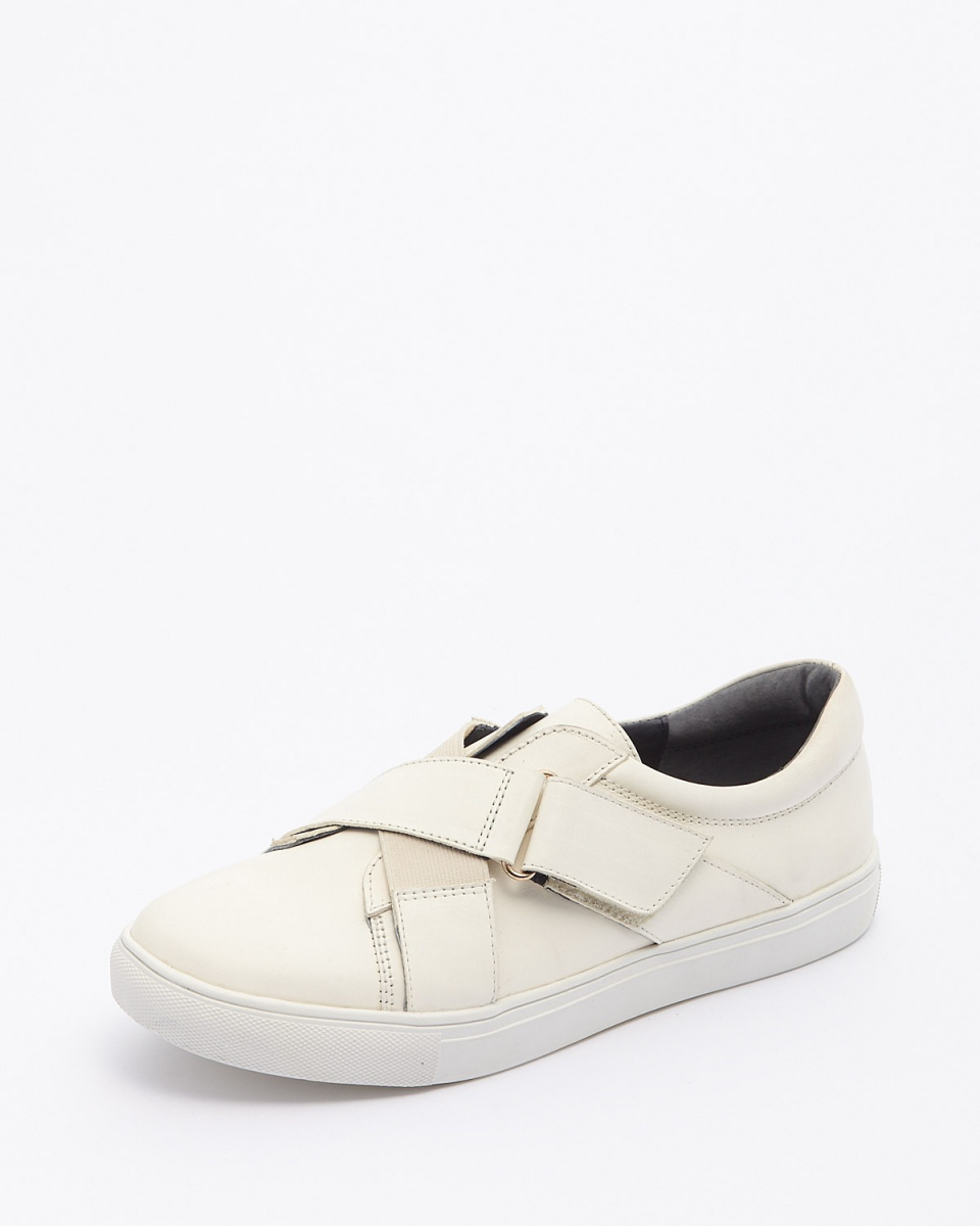 Callipigia / OWH cross belt sneakers