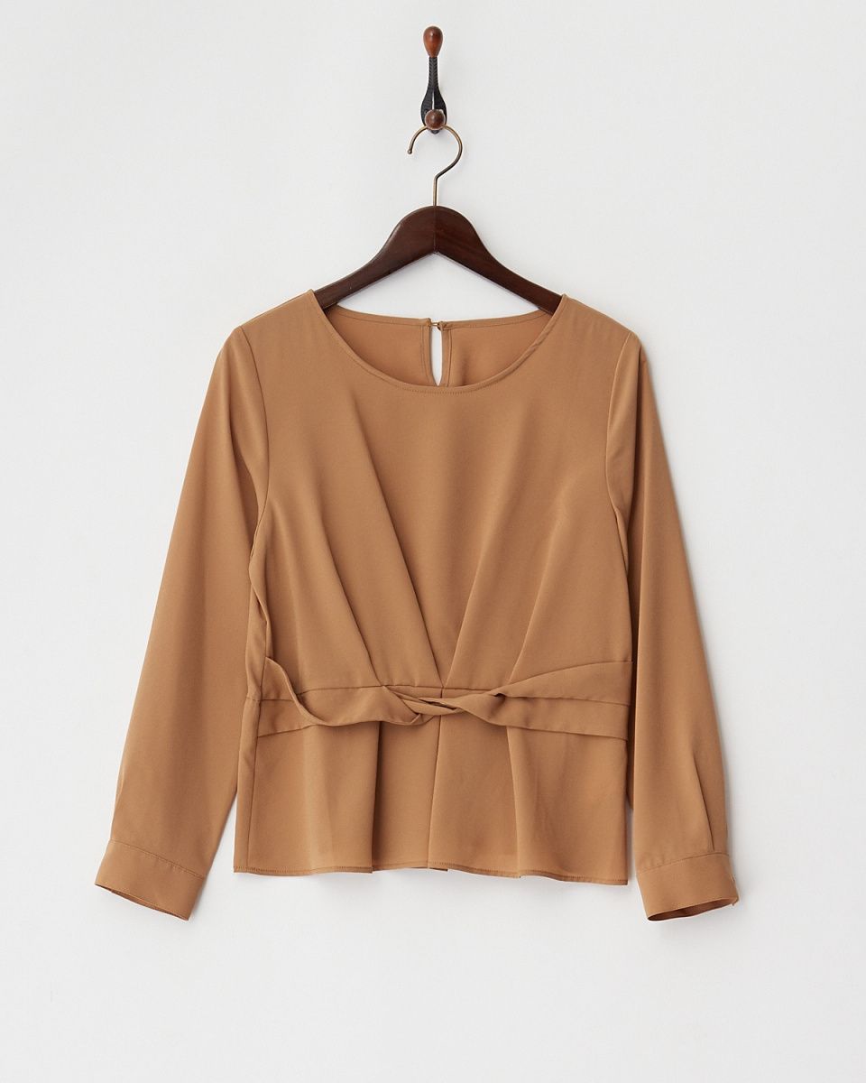 Human 2nd Occasion / Camel West tuck georgette blouse ○ 74-1645 / Women's