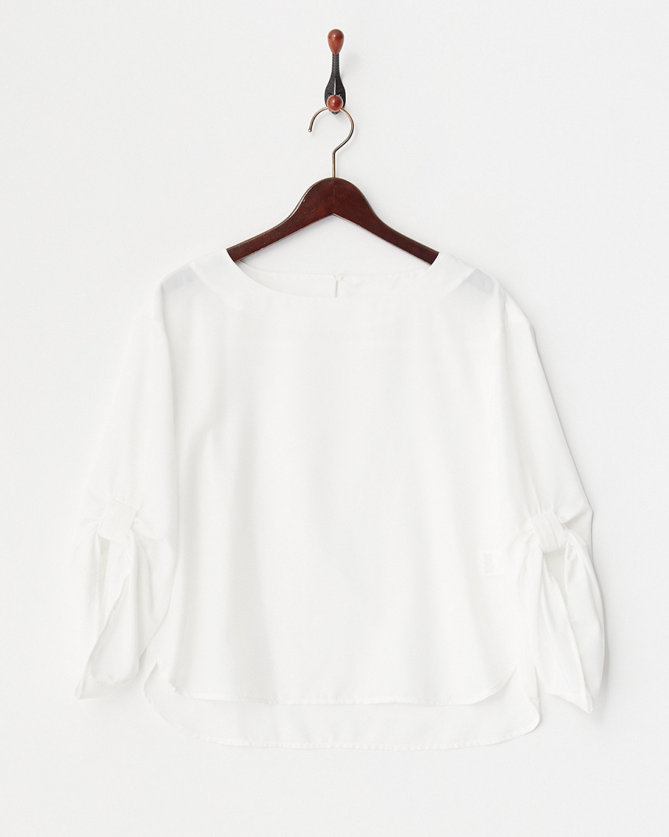 Human 2nd Occasion / off-white sleeves ribbon pullover ○ 81-1656 / Women's
