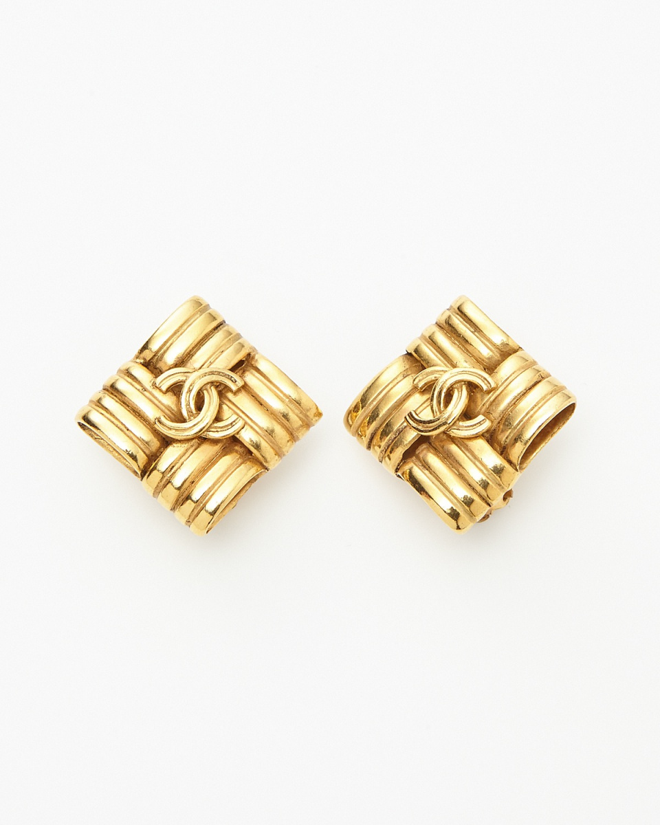 Chanel / gold color diamond Kokomaku earrings / Women's