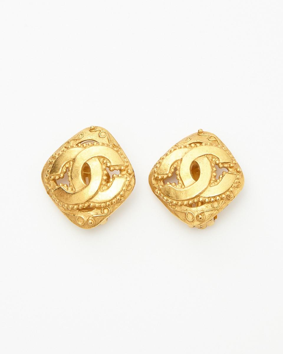 Chanel / gold color diamond Deca Kokomaku earrings / Women's