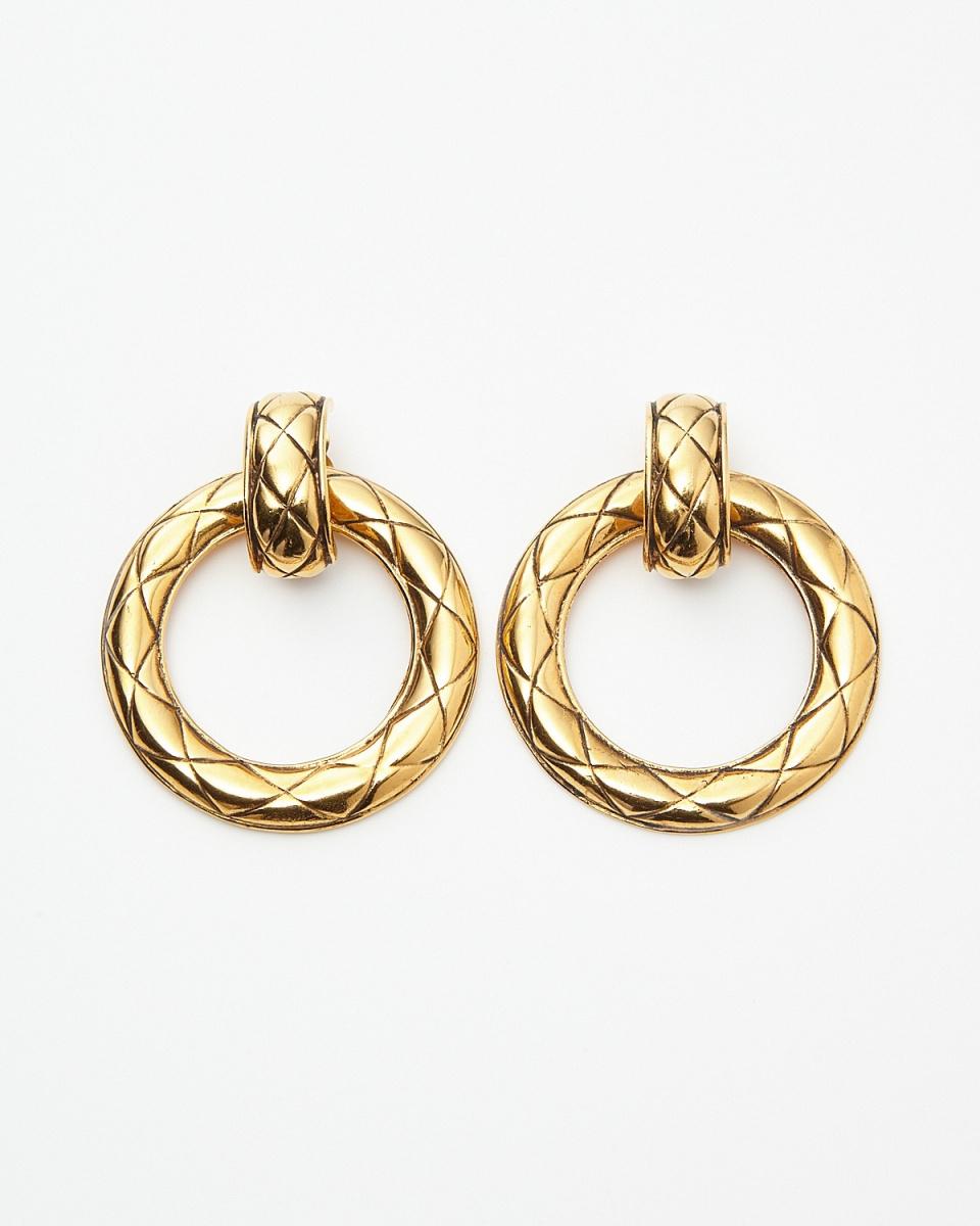 Chanel / gold color Matorasse hoop earrings / Women's