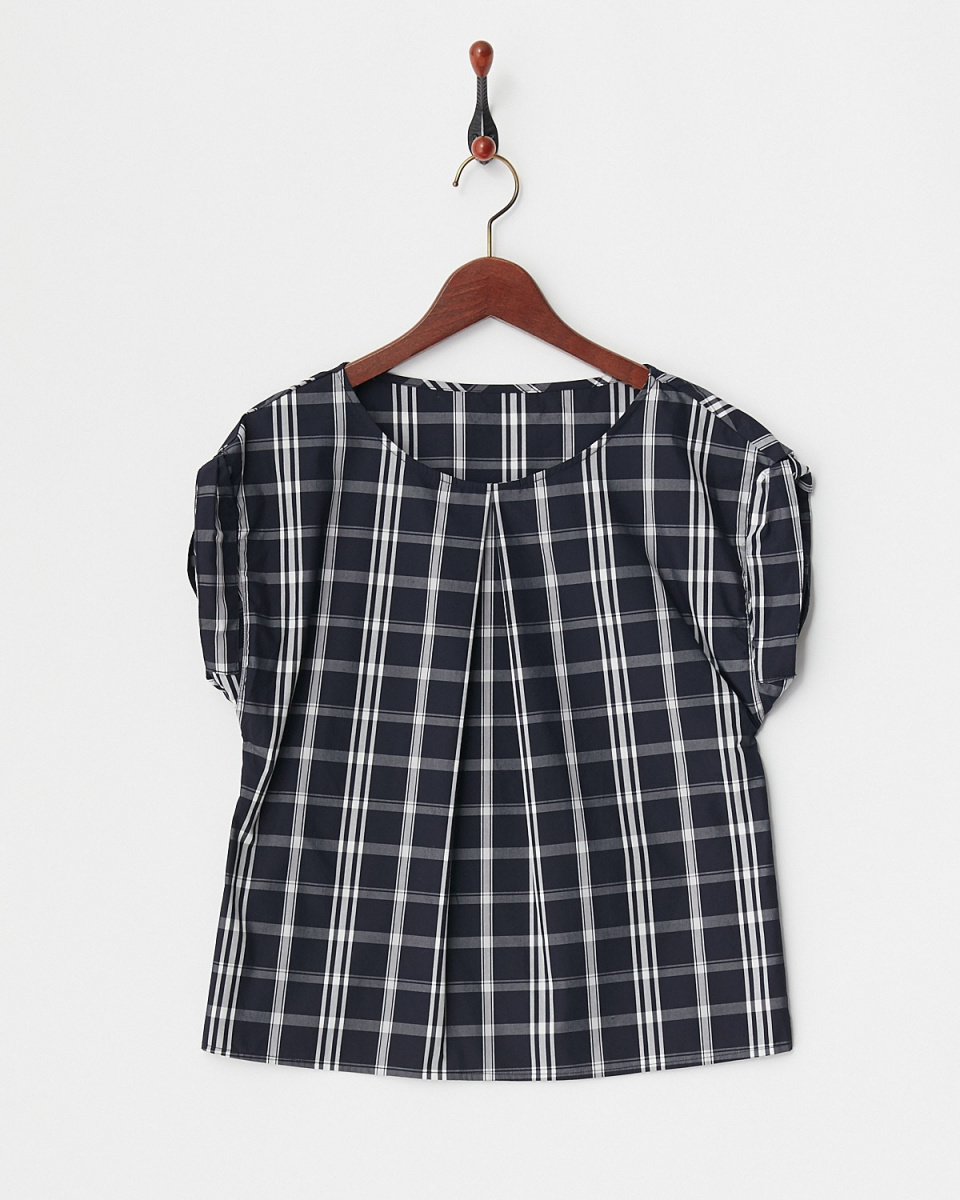 Human 2nd Occasion / black-based deformation sleeve blouse ○ 81-1637 / Women's