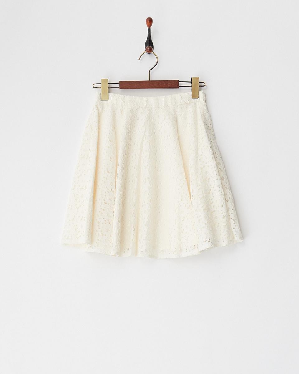 MIIA / off-white mini flower lace skirt / Women's