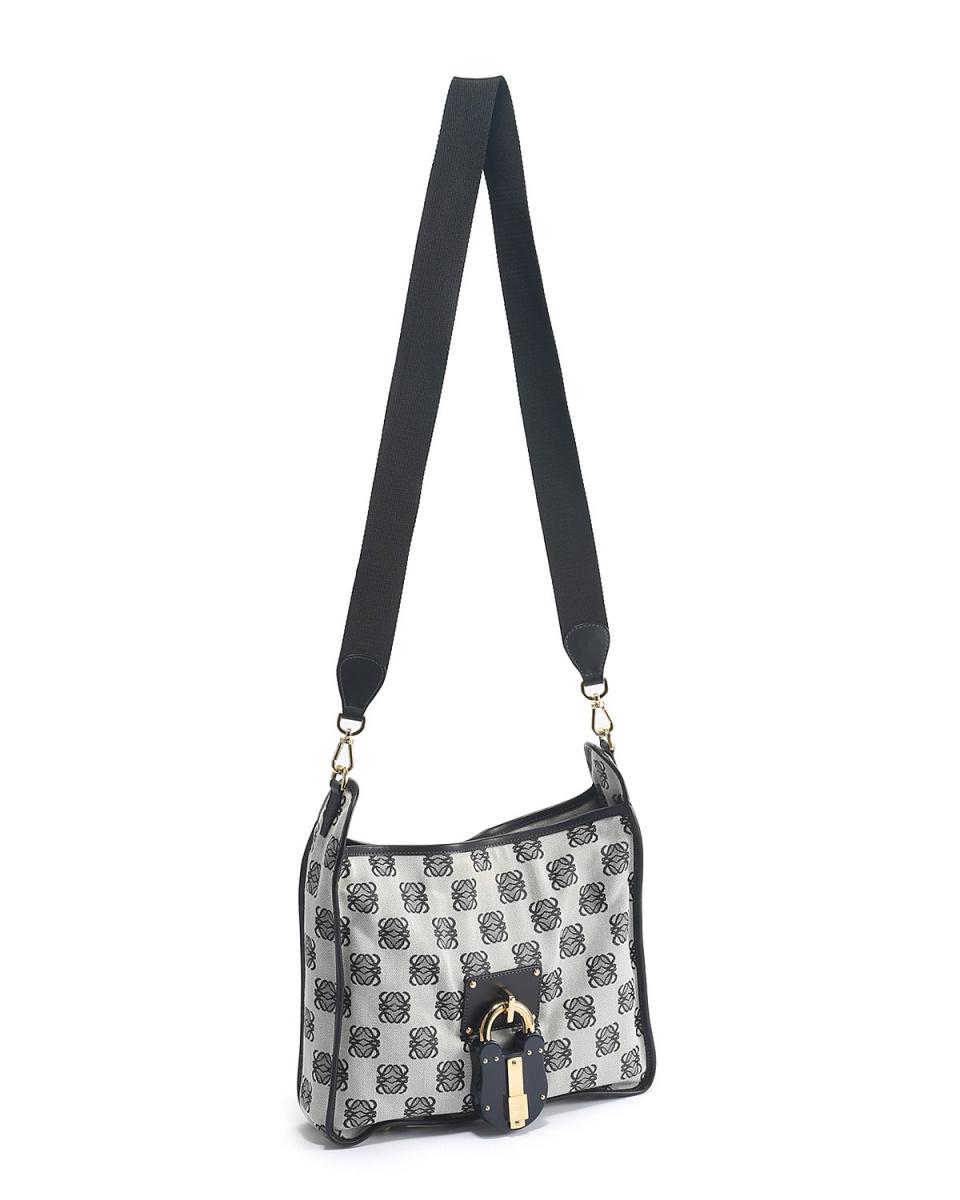 Loewe / anagram canvas shoulder bag ○ F4355