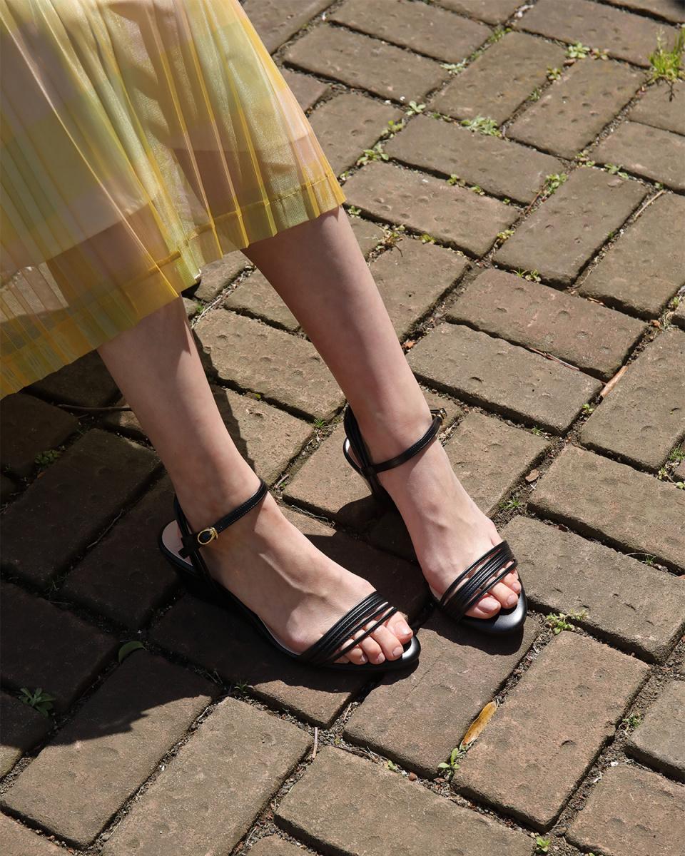 劳纳LEA /黑色表带MANY坡跟鞋凉鞋○0260 /女装
